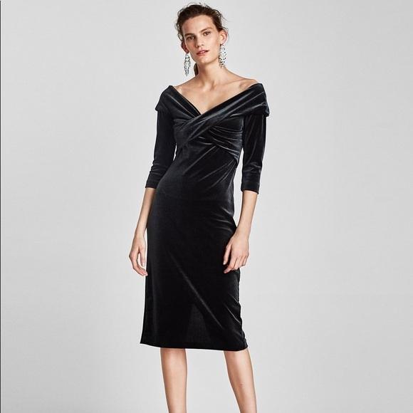 c5f5d338d4c NWOT Zara Velvet Tube Dress Midi Green S